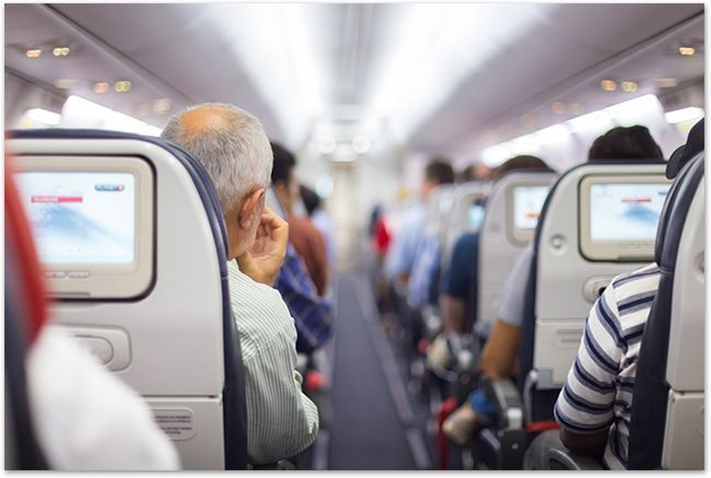 Captioning will soon be mandatory on all US airline flights! #NAD #agreement #captions #a11y #video  http:// bit.ly/2j893xW  &nbsp;  <br>http://pic.twitter.com/ZjEKBwB5a9