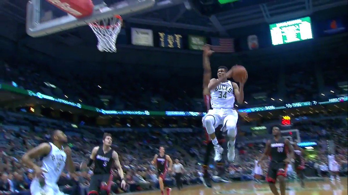 OMG!! Did @Giannis_An34 just do that!?!