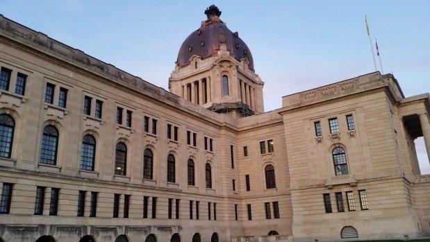 (Radio-Canada):#Privatisation des services : le syndicat des employés gouvernementaux..  http://www. titrespresse.com/article/101353 51612/privatisation-services-syndicat-employes-gouvernementaux-inquiet &nbsp; … <br>http://pic.twitter.com/rtQniQBTPq