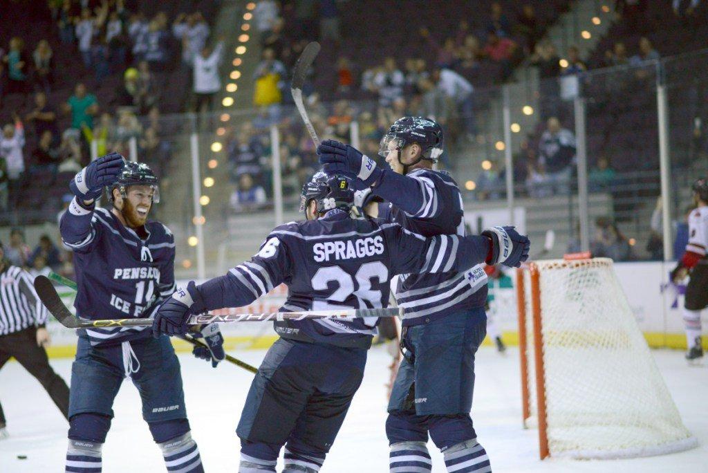 IceFlyers score five straight to win 5-3 https   pensacolaiceflyers.com ice -flyers-score-five-straight-to-win-5-3  …pic.twitter.com LFoE3Tsqip b833884c6
