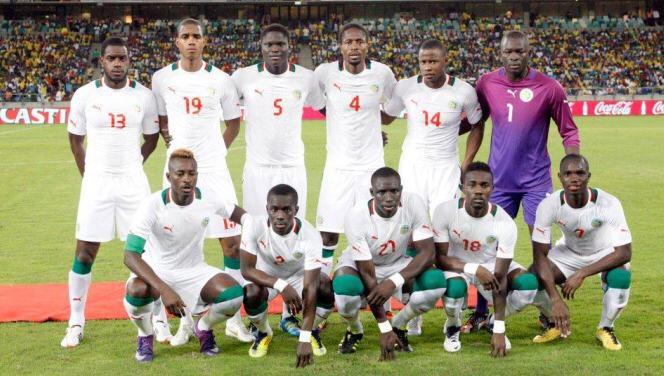 Aujourd&#39;hui début de la Coupe d&#39;Afrique des Nations. De tout cœur avec mes Lions de la Teranga.  #Force #Honneur #Lions #CAN2017<br>http://pic.twitter.com/t9txmTArfA