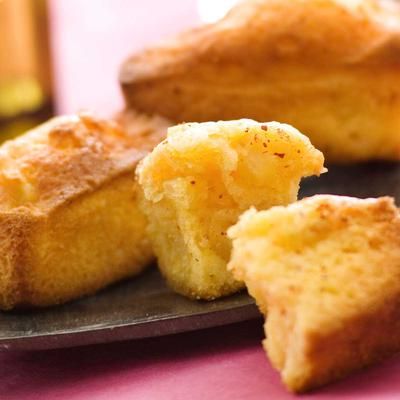 Ce midi, succombez au quatre-quarts pomme espelette #recettedujour #cuisine #dessert &gt;&gt;  http:// bit.ly/2juljvP  &nbsp;  <br>http://pic.twitter.com/O5ZqcAwojb