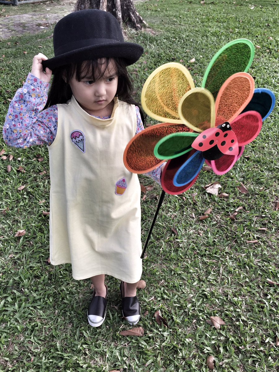 Hope you&#39;re having a great dayyy  Solenn&#39;s OOTD: Floral &amp; Patches :  https:// youtu.be/9tCKwiYOh6A  &nbsp;   #ootd #hmkids #hmkidsfashion @hmphilippines<br>http://pic.twitter.com/0TguVJ8rZZ