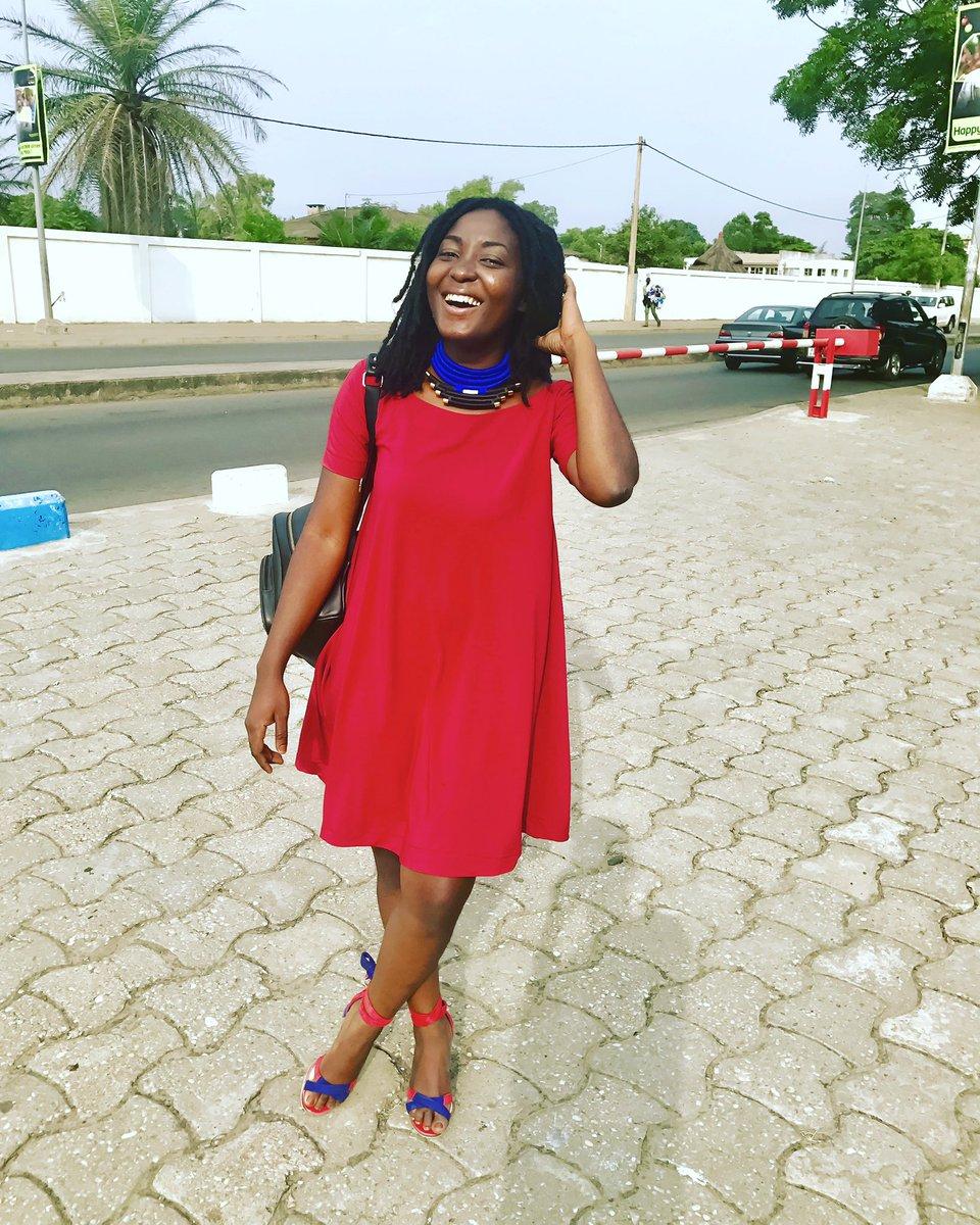 La tête que je fais quand c&#39;est samedi  #ModernEtChic #FashionBlogger #Ootd <br>http://pic.twitter.com/YcoQnmD53f