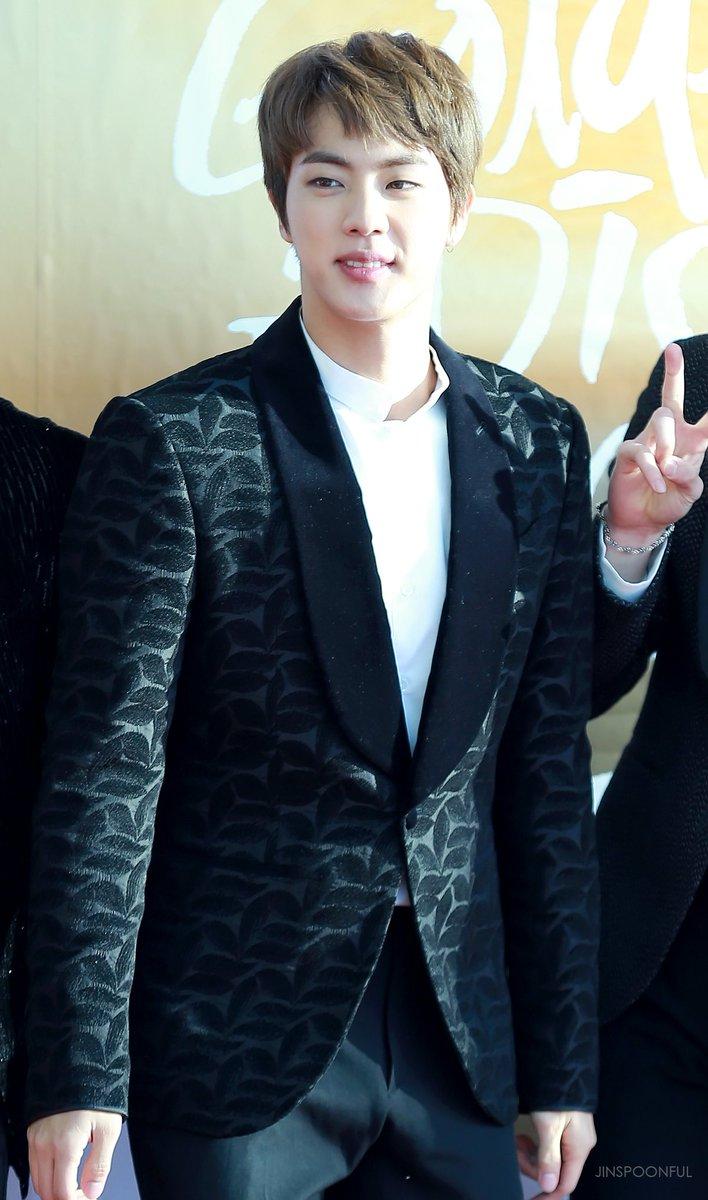 170114 Golden Disc Awards Red carpet #JIN #석진 #방탄소년단<br>http://pic.twitter.com/AM51m8zpnW