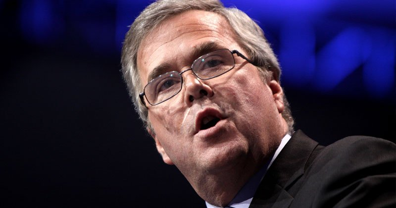 JEB REPORTED TO BE BEHIND TRUMP &#39;FAKE DOSSIER&#39; : Jeb Bush is the Guy Who Started All the '#GoldenShowers' Nonsense  http://www. infowars.com/it-turns-out-j eb-bush-is-the-guy-whos-started-all-the-goldenshowers-nonsense/ &nbsp; … <br>http://pic.twitter.com/mC0FZNcw5m