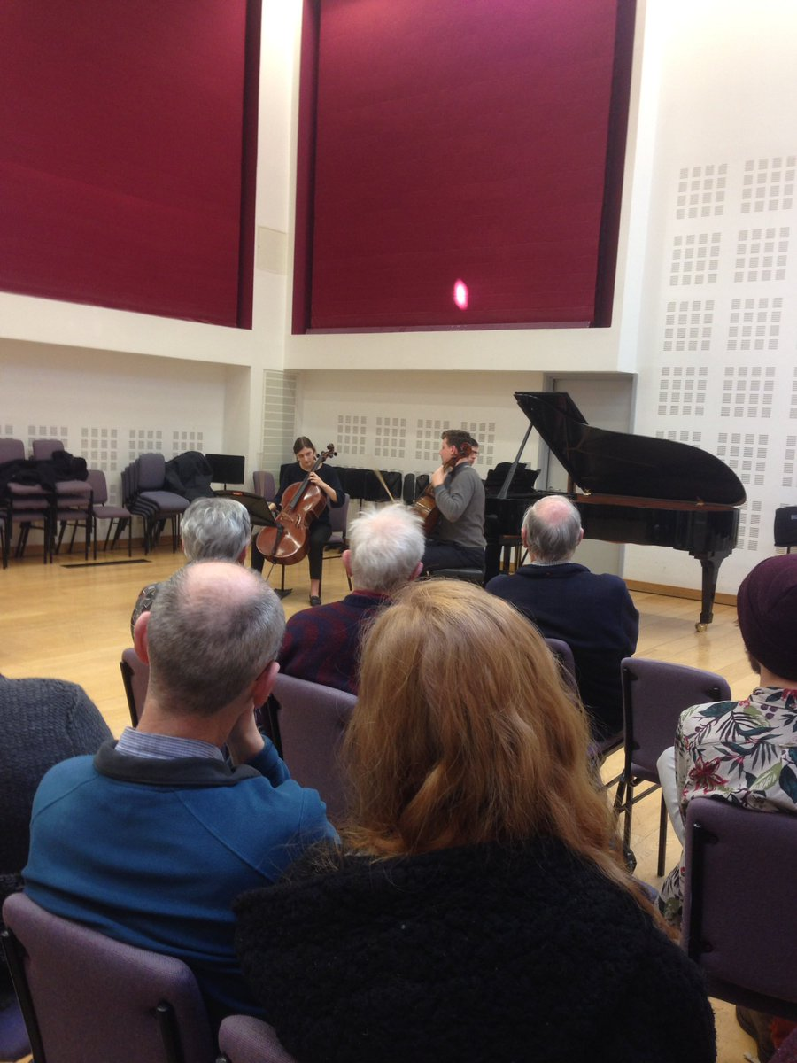 Very interesting masterclass with Istvan Vardai @RNCMvoice #stringsfest @ElizaCarew @ChrisHoyleRNCM currently looking at #Elgar #concerto <br>http://pic.twitter.com/ITJMlGwkJC