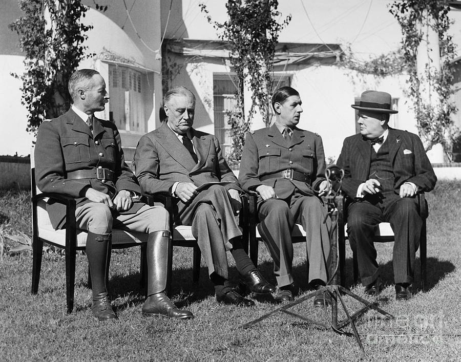 Resultado de imagen para Fotos de la Conferencia de Casablanca entre Roosevelt, Churchill y los generales franceses Giraud y De Gaulle