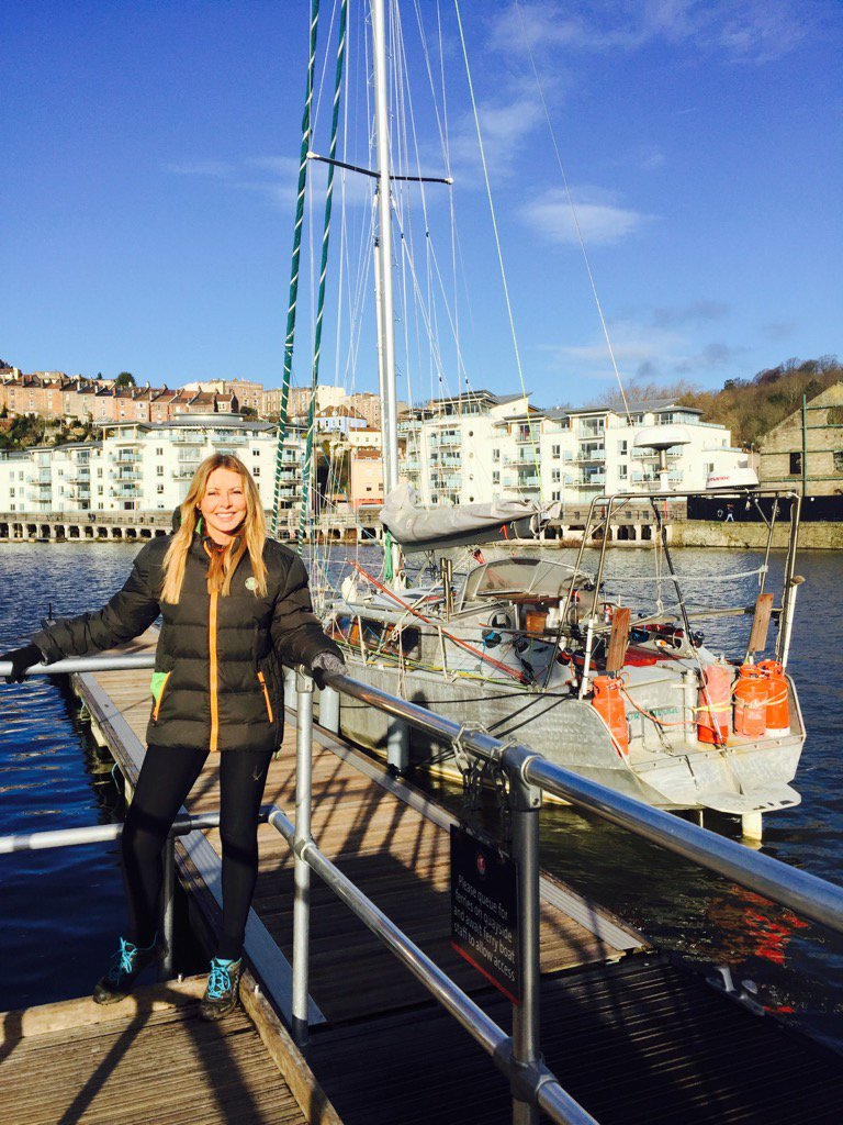 #BristolHarbour #BlueSky next to boat my girl buddy Barbara sailed round Arctic passages in...not very big is it? X https://t.co/Ol3OLcmK2r