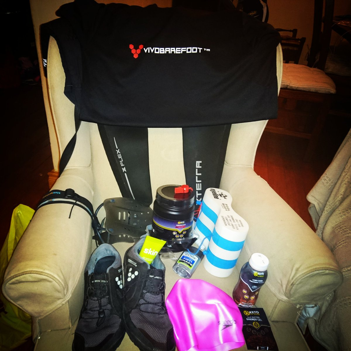 All prepared for the @torpedoswimrun tomorrow morning with @NativeSport Vivobarefoot,  @keto_nutrition and @XTERRAWETSUITS <br>http://pic.twitter.com/34Z8dWpKxZ