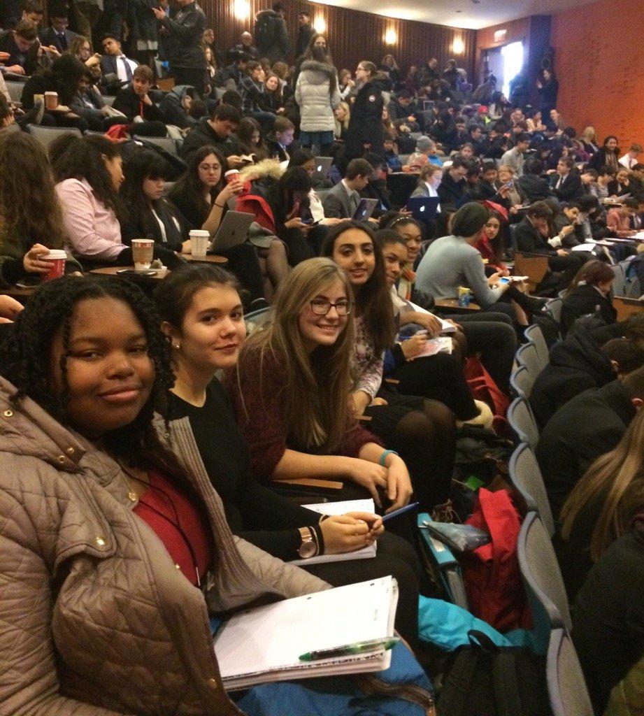 Day 2 #Queen&#39;s Lycée #Claudel #Debate tournament <br>http://pic.twitter.com/pmzAsq8Lj3