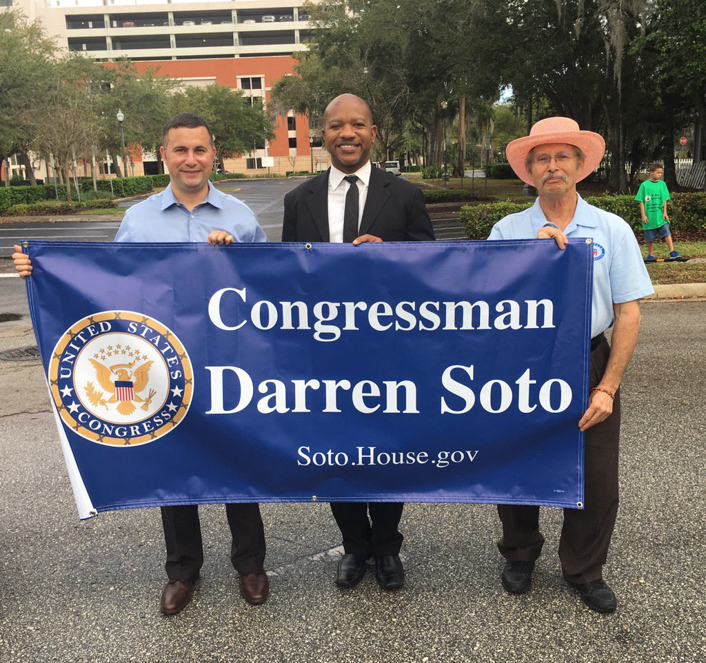 Proud to be in Kissimmee MLK Parade to celebrate freedom &amp; equality! @OfficialCBC @HispanicCaucus #fdp #Sayfie <br>http://pic.twitter.com/dQS7a8KIaL