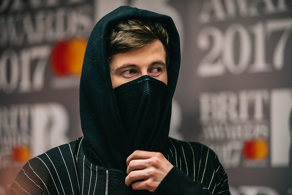 Emotion is all in the 👀 @IAmAlanWalker on the red carpet at #BRITs Noms. #PricelessSideofMusic