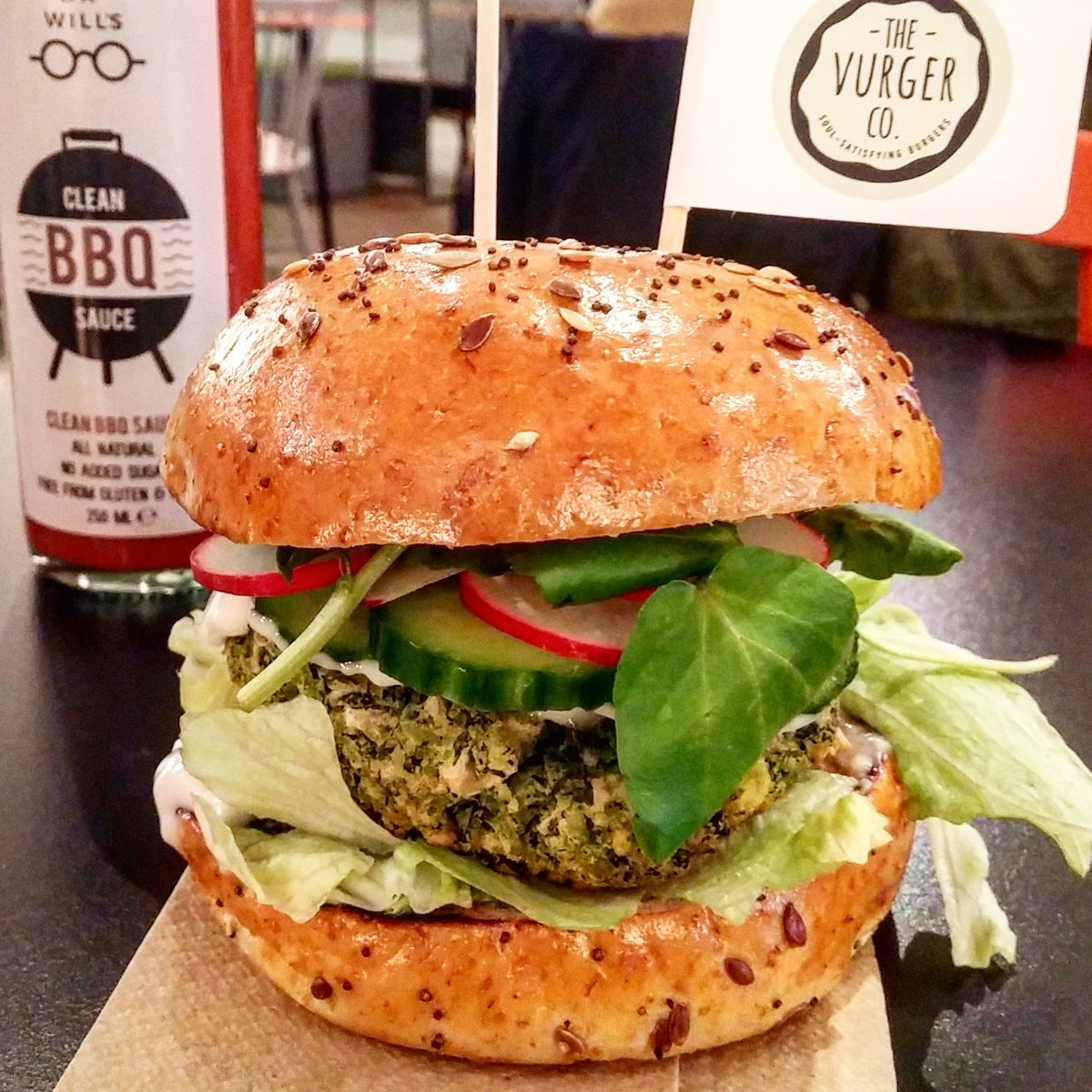 Popping up tonight and for the next 2 Saturdays - @TheVurgerCo &#39;s fine #vegan #burgers at @pillboxkitchen in #E2 <br>http://pic.twitter.com/2Lw221b1da &ndash; à The Pillbox Kitchen