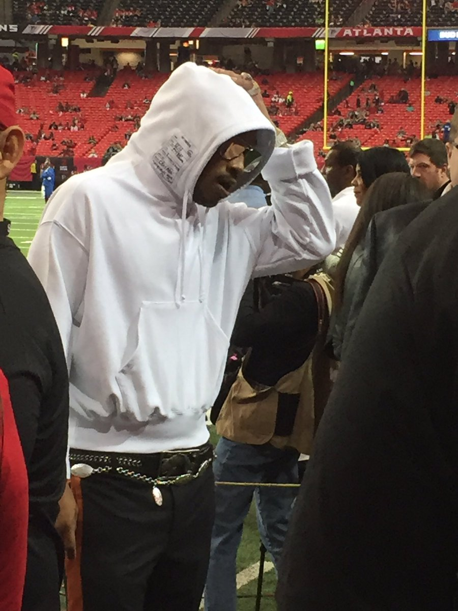 So...Future is here for the #Falcons/#Seahawks game. https://t.co/MbR0wZVXwL