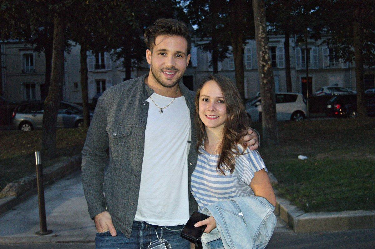 Con una chica linda  #Franceses #Los #Mas #Lindos  <br>http://pic.twitter.com/S4A40bPH4B