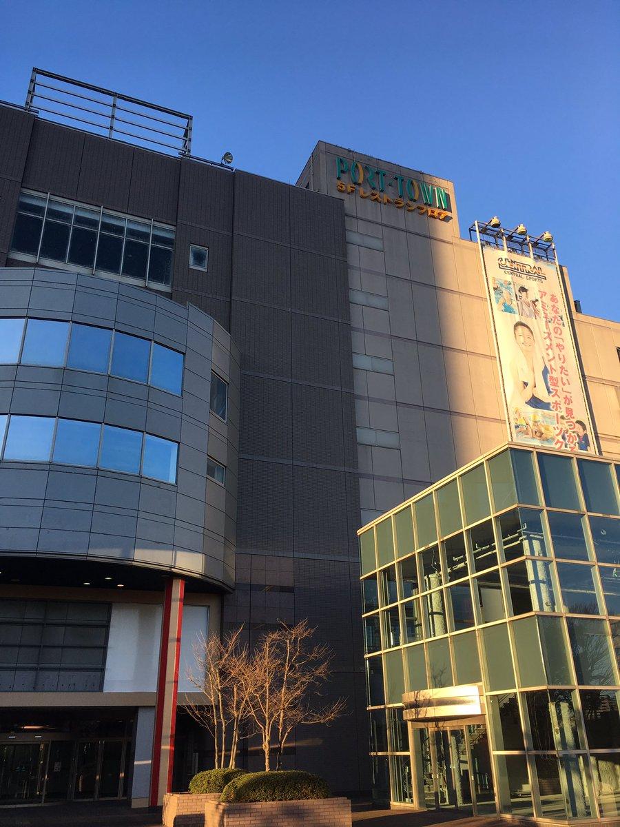 一度来てみたかった、千葉駅からほど近い、生ける廃墟的に言われてる某施設。朝7時だから閑散としてて当たり前なんだけど、そもそもなぜ朝7時から中ウロウロできるのか不思議。 https://t.co/NMfAEN3LyL
