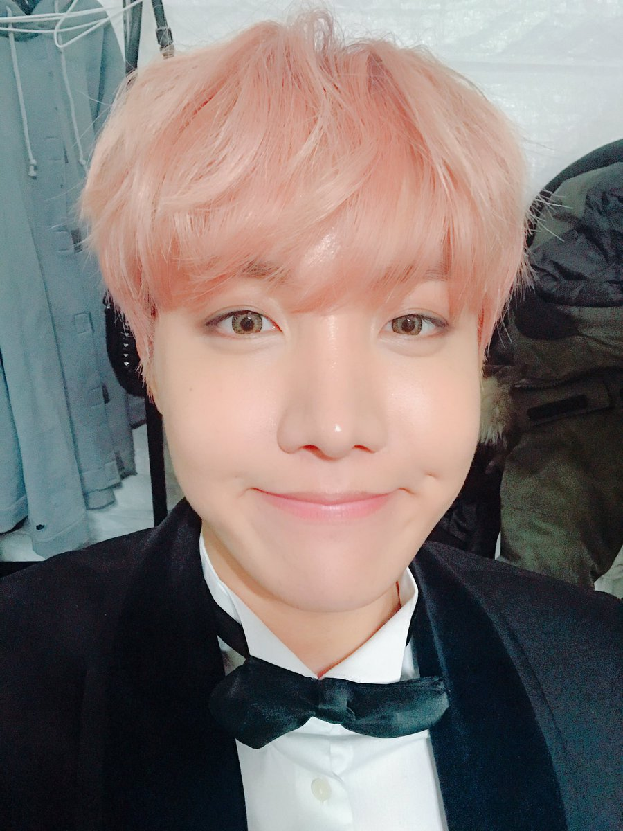 beautiful, as always oppa. I love you too~ #Hoseok #BTSlos7porIgual #BTSComeToArgentinaIn2017 <br>http://pic.twitter.com/YcqYhckQlH