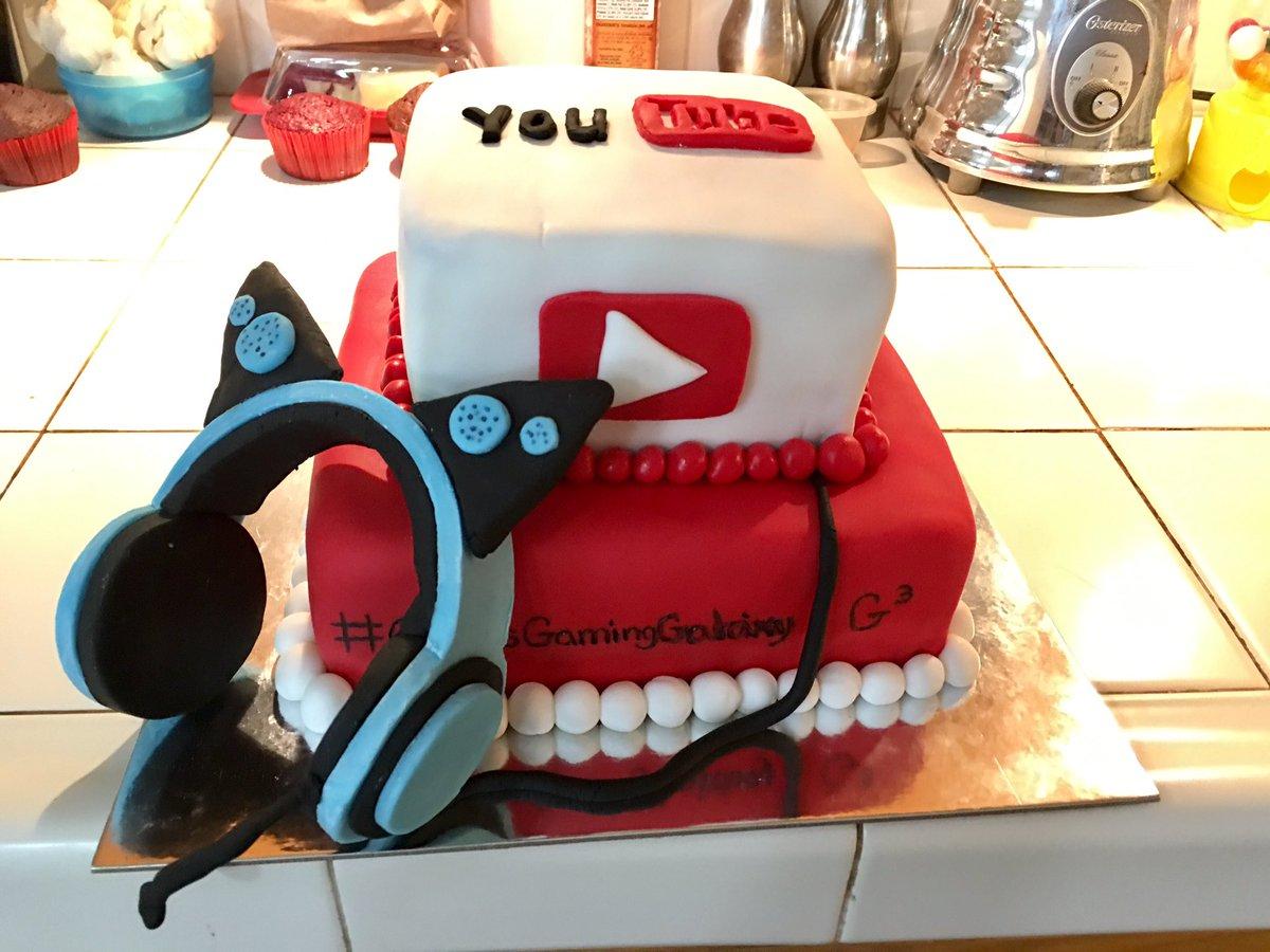 Crystal Fretz On Twitter My Little Youtubers Birthday Cake In
