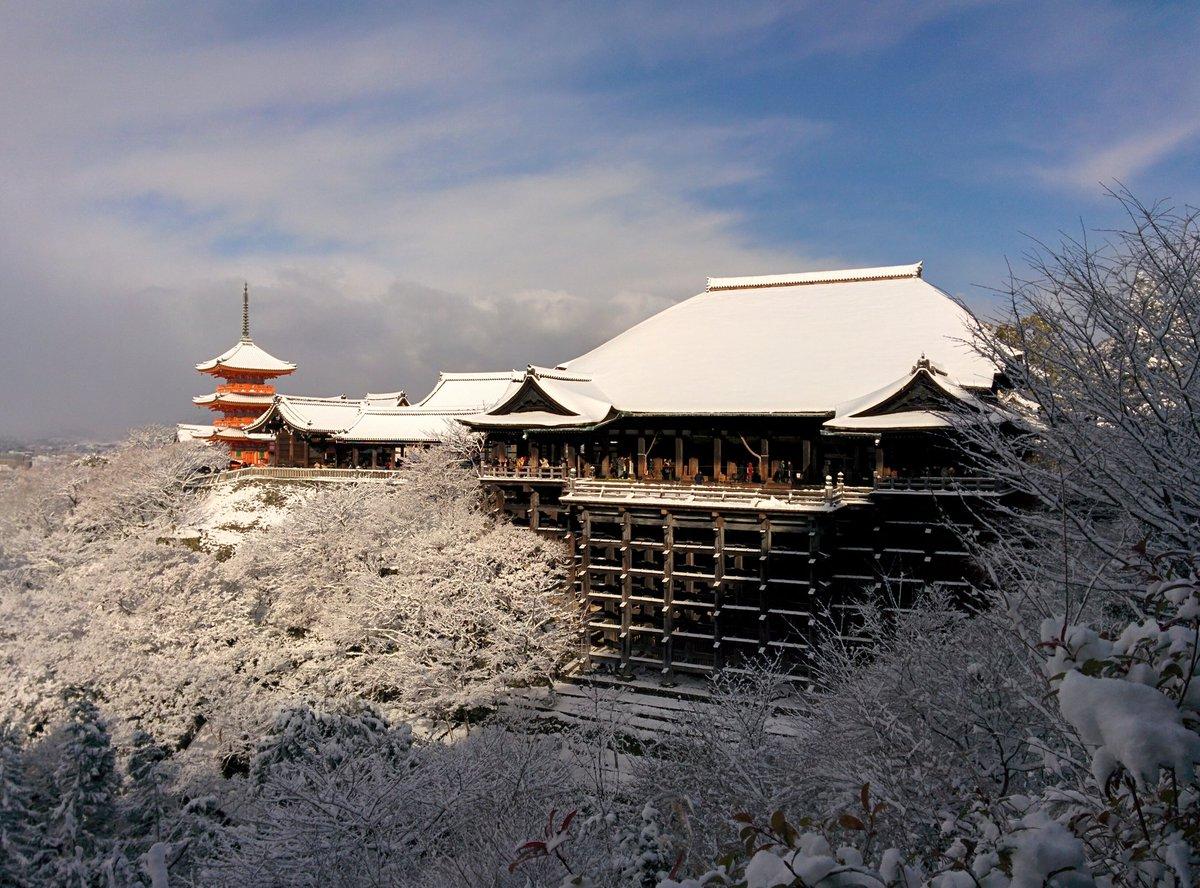 清水寺。今まで見た中で一番綺麗ですね。 pic.twitter.com/CgvKh46wjI