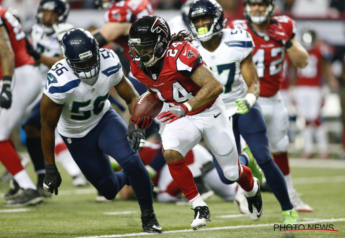 Les #Falcons , emmenés par un #Ryan en mode #MVP, dominent les #Seahawks  #NFL  http://www. sportsactu.be/autres/lis/201 7-01-15/les-falcons-ont-musele-wilson-et-filent-en-finale-de-conference &nbsp; … <br>http://pic.twitter.com/gyS2eSyX7S