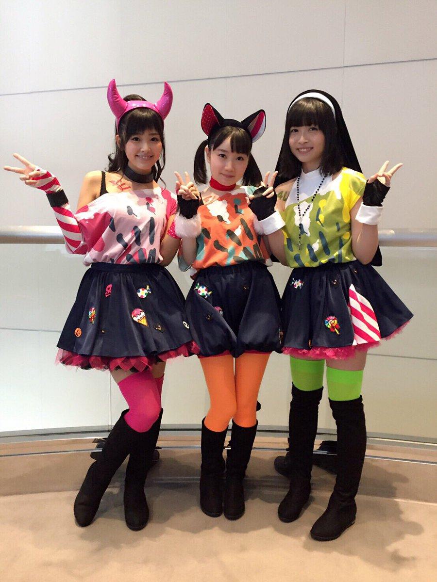 私はなぜ東京にいるのでしょう。なぜ大阪にいないのでしょう。客席で盛り上がりたい人生だった。会場に行く支配人のみんなに全てを託します。 pic.twitter.com/14gW56n8Ab