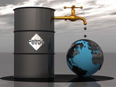 Bravo! Le #PQ entend tourner le dos au pétrole, refuser gaz+pétrole de #schiste, dire non #ÉnergieEst #assnat #polqc  http://www. lapresse.ca/actualites/pol itique/politique-quebecoise/201701/14/01-5059522-lisee-veut-un-pq-plus-clair-et-zen-moins-chicanier.php &nbsp; … <br>http://pic.twitter.com/xYyQ0bomSM