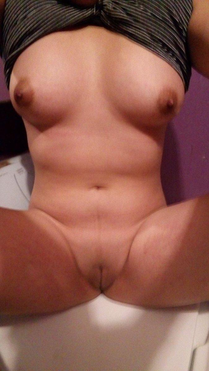 Nude Selfie 10282