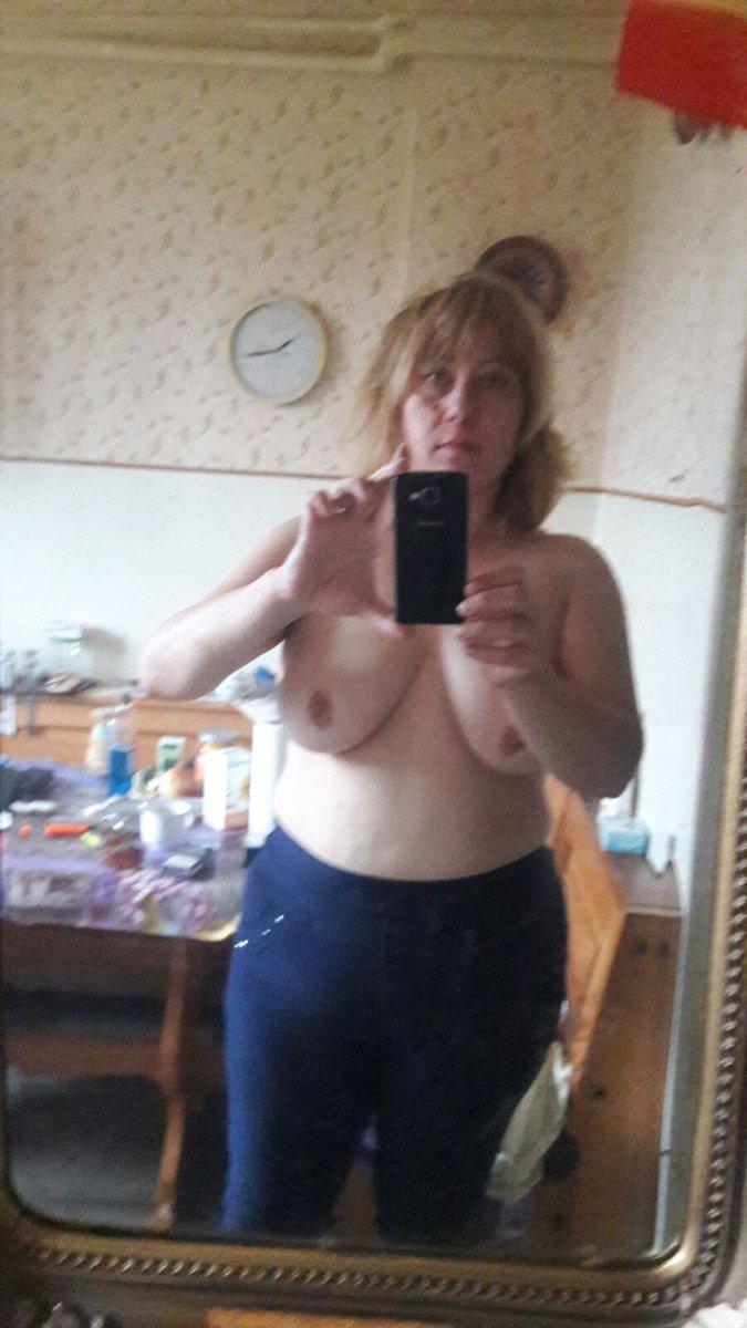 Nude Selfie 10311