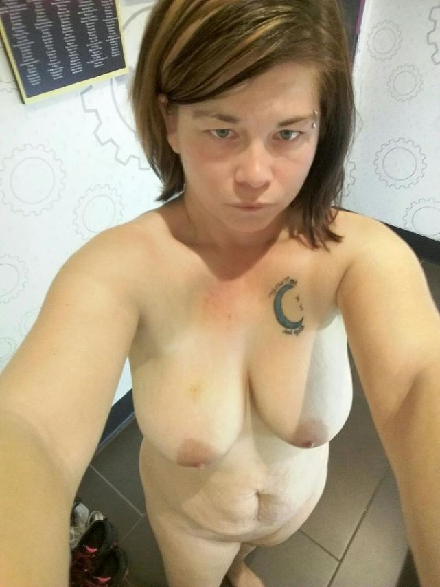 Nude Selfie 10326