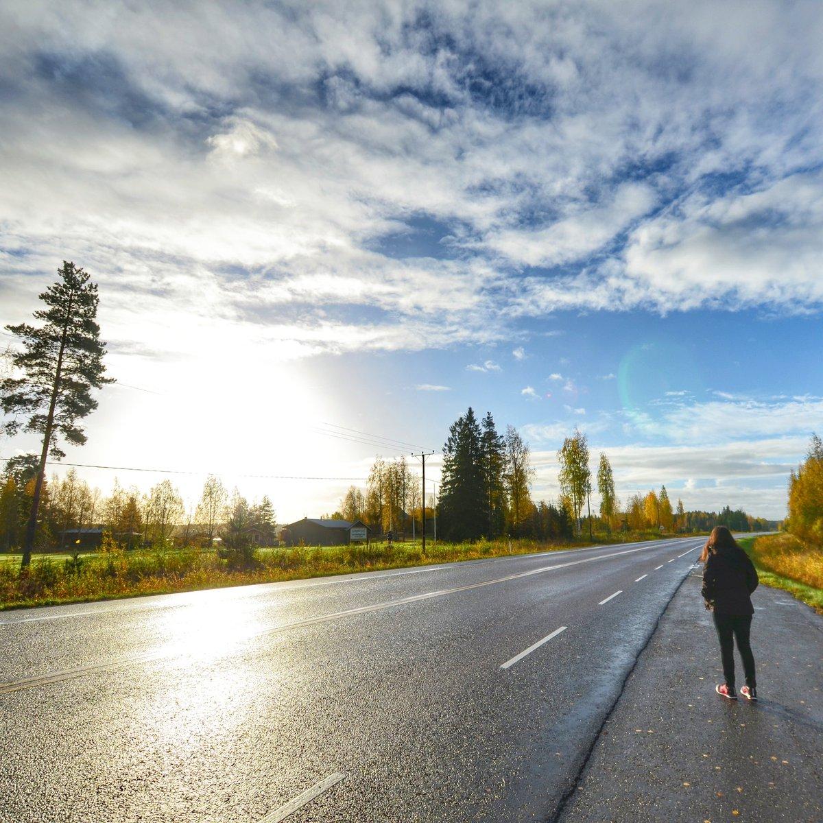 J-10 avant de retourner en Finlande pour la 3e fois et découvrir la Laponie!  So excited ! #finland #finlande #lapland #finnish<br>http://pic.twitter.com/4ZmMcf5F4k