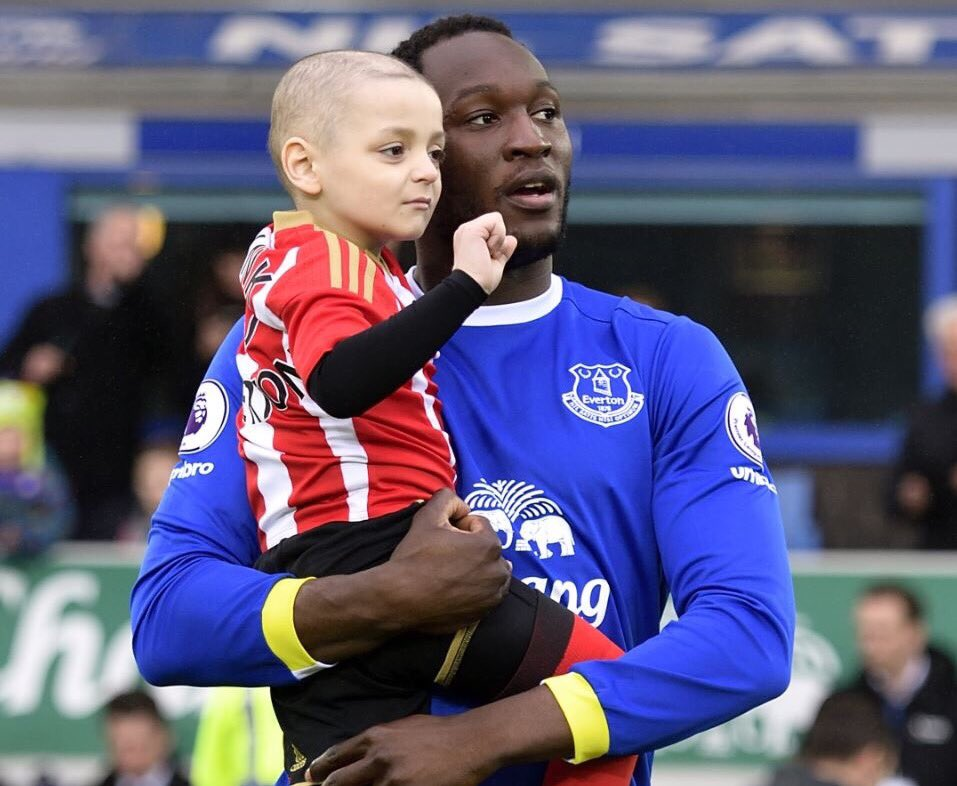 Football can do so much for people. What a fantastic picture this is #efc #safc https://t.co/yTr39YiUHg