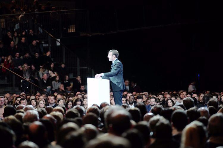 #Présidentielle Lille, Macron investit dans l&#39;école &quot;L'école, socle de l&#39;émancipation&quot; #YesWeWalk avec #Macron2017  http://www. liberation.fr/elections-pres identielle-legislatives-2017/2017/01/14/a-lille-macron-investit-dans-l-ecole_1541492?utm_campaign=Echobox&amp;utm_medium=Social&amp;utm_source=Twitter#link_time=1484470463 &nbsp; … <br>http://pic.twitter.com/oiAaCQuyO1
