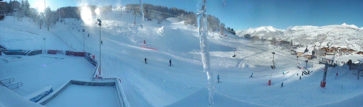 Belle journée sur les pistes de #montchavinlaplagne #sun #dream  @SavoieMontBlanc @RDV_Montagne<br>http://pic.twitter.com/cDzs2of9jD