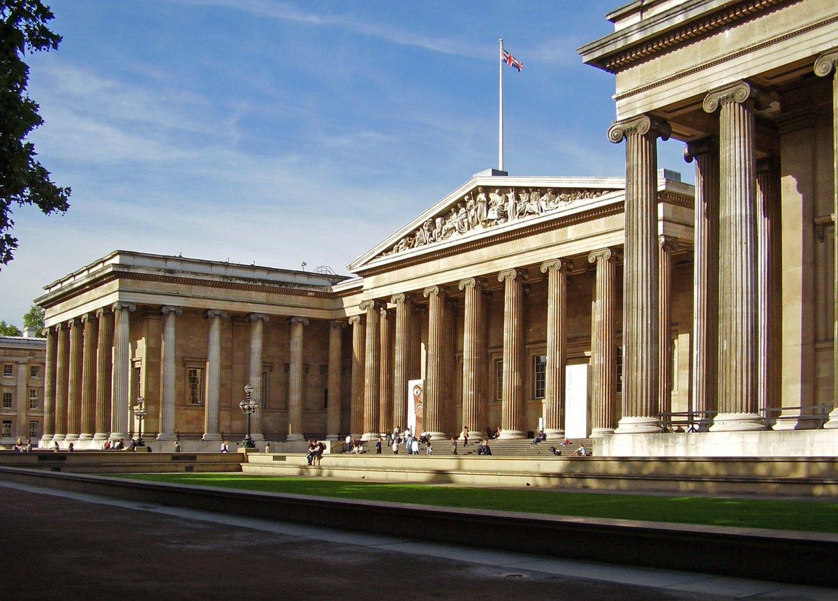 #Hoy en 1759 se inauguró el @BritishMuseum, uno de los museos que más tesoros guarda de la historia de toda la humanidad.<br>http://pic.twitter.com/S9LrsoXsAJ