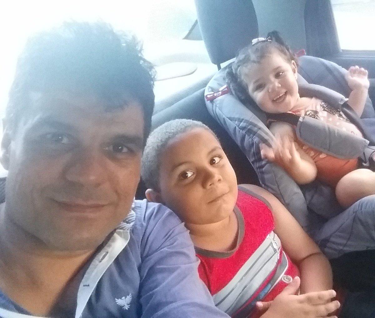 Bom dia !!! Meu sobrinho Jorge e minha sobrinha e afilhada Nataly !!!! #Lindos <br>http://pic.twitter.com/IcmqeMbkFf