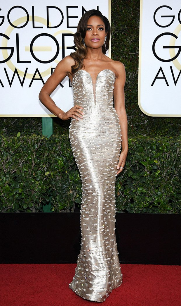 2017 #RedCarpet Season has begun! Here are our favourites from #TheGoldenGlobes for your #BridalInspiration  http://www. weddingsonline.ae/blog/hot-brida l-inspiration-golden-globes/ &nbsp; … <br>http://pic.twitter.com/exs12Zqggc