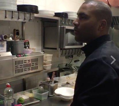Revisionnez notre moment #MadameEnCuisine dans les #cuisines d&#39;un #restaurant pendant le coup de feu &gt;&gt;  http:// bit.ly/2iqKKcI  &nbsp;  <br>http://pic.twitter.com/lT0SnEIDbW