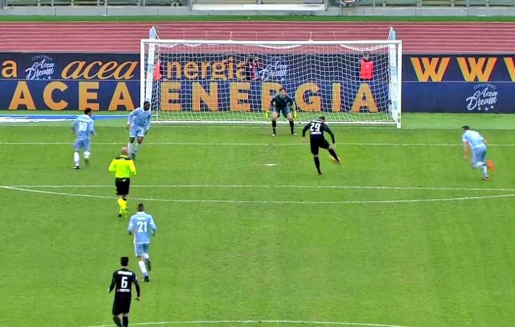 Risultati primi tempi Serie A: vince la Roma a Udine, Napoli pareggia al San Paolo, scintille all'Olimpico