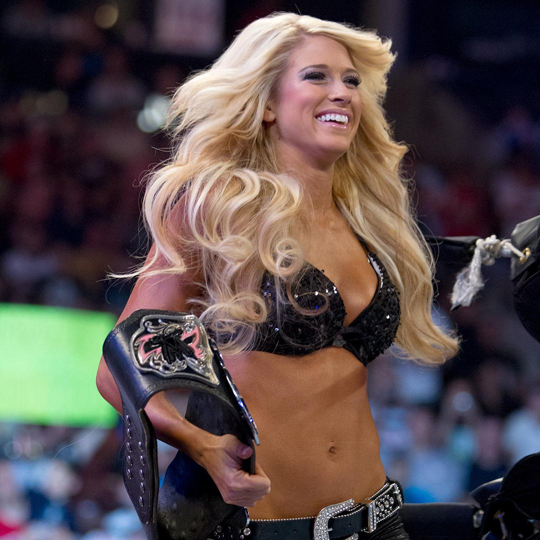 Pictures: WWE Alumni Kelly Kelly Sets Instagram On Fire With 'Birthday Suit' 4