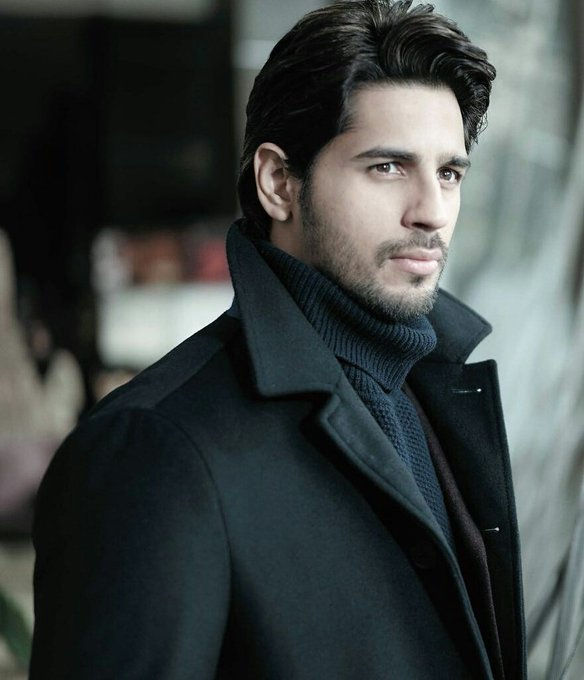 Happy Birthday Sidharth Malhotra.Big hugs and lots of love.Thank you for being our hero,our inspiration.