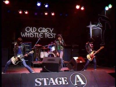 #OnThisDay, 1980, the #Ramones live at the BBC TV. https://t.co/JeNnCF...