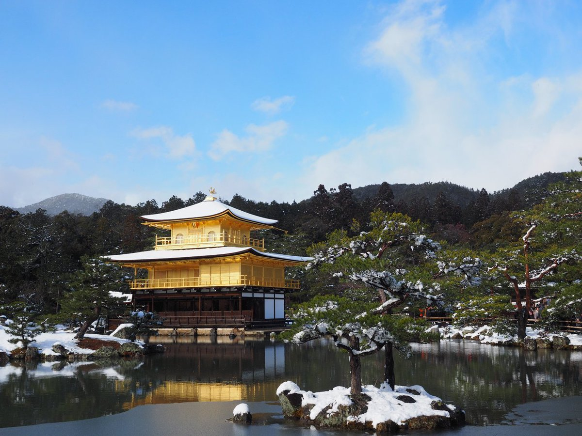 雪の金閣寺と貴船神社を撮ってきました https://t.co/uBwGv6ALxd