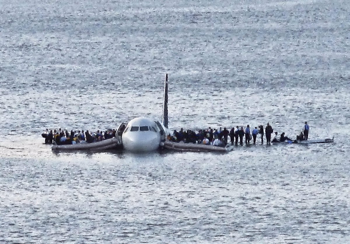 On this day 8 years ago, U.S. Airways @Captsully landed a passenger jet on the Hudson River, saving all 155 people on board. #Flight1549
