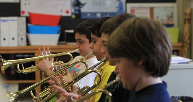 In order to improve academic skills of American youth, we should be providing them with more #musiced, not less.  http:// ow.ly/UKfu3054Php  &nbsp;  <br>http://pic.twitter.com/MpELzcrixh