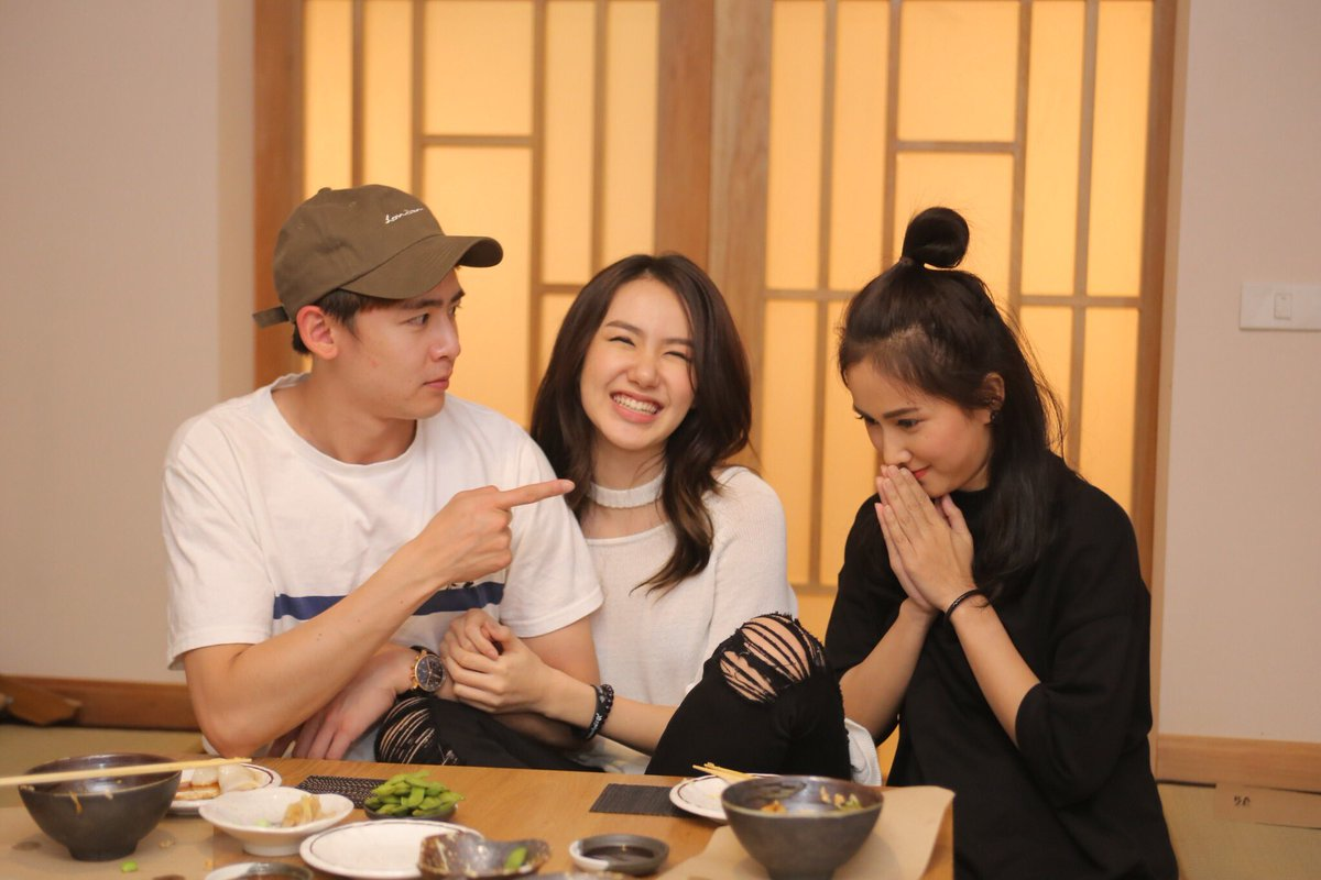 nichkhun with his sister and her gf celebrity photos onehallyu