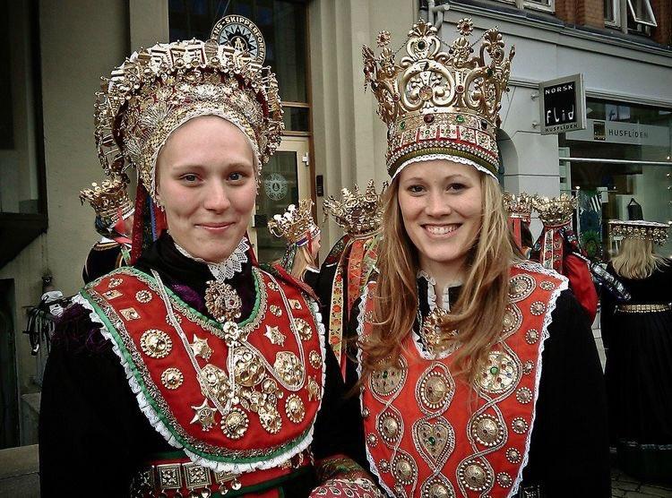 european beauty on twitter norwegian women wearing traditional
