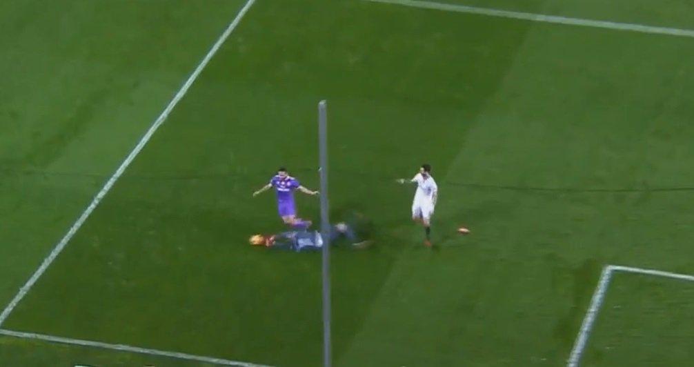 Esta fue LA ACCIÓN de Sergio Rico sobre Carvajal por la que el árbitro...