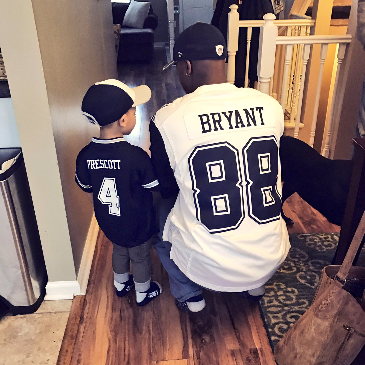 RT @JoseWeezy85: We ready! #FinishThisFight  @dak @DezBryant #CowboysNation https://t.co/r6hrbutjst