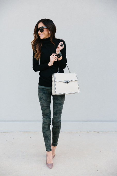 CAMO PANTS + STYLING A WHITE HANDBAG